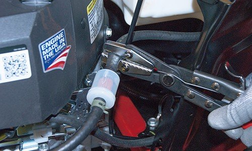 Should a lawn Mower fuel filter be full? 1