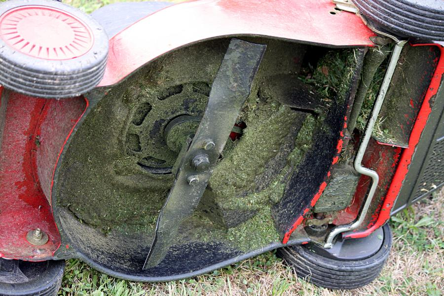 Are Lawn Mower Blades Tempered? 4
