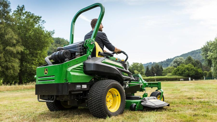 The pros and cons of a zero-turn mower 2