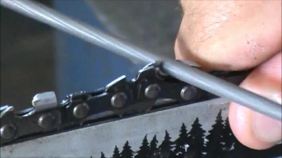 How to sharpen a chainsaw by hand 1