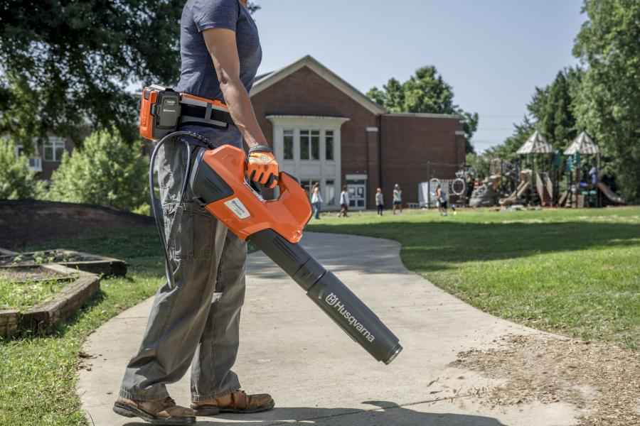 Leaf blowers CFM or MPH: What matters more? 1