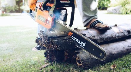 Chainsaw cuts crooked? Here's what to do