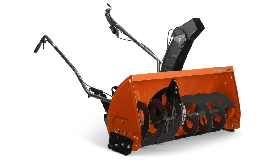 Attaching a Snow Blower to Your Tractor: These Are Your Options 4