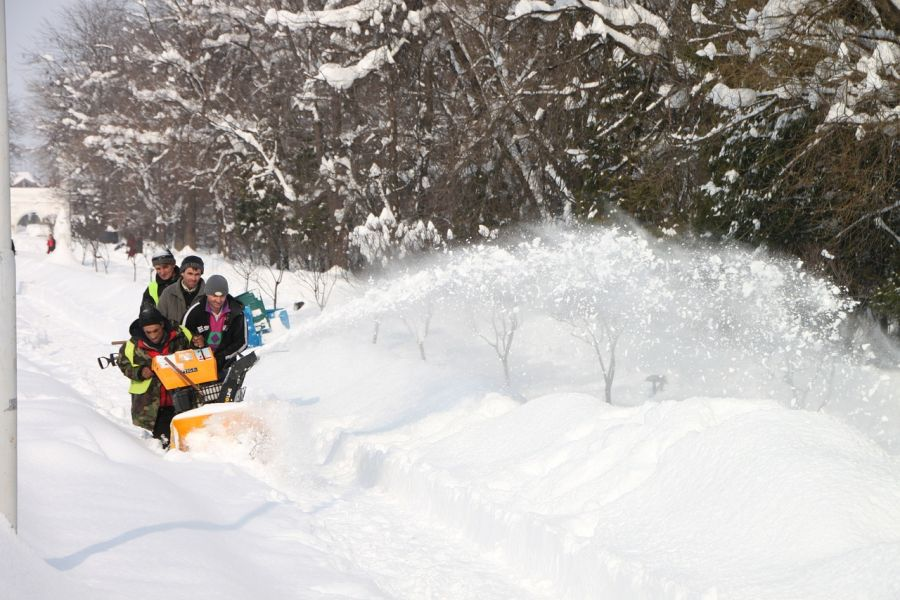 How Much Snow is Needed for a Snow Blower? 2