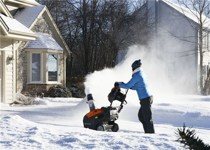 How Often to Change Oil in Snow Blower: With Tips 1