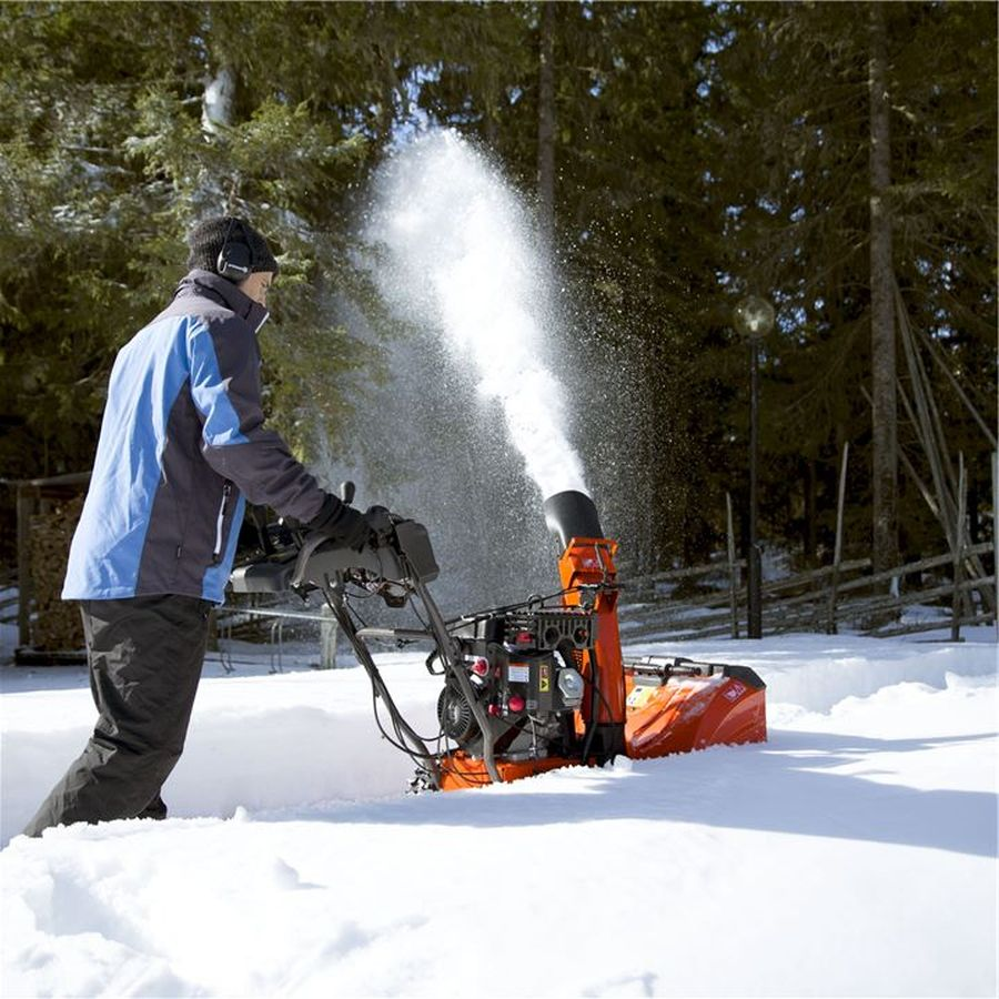 What Snow Blower to Buy: Read This Before You Buy One 1