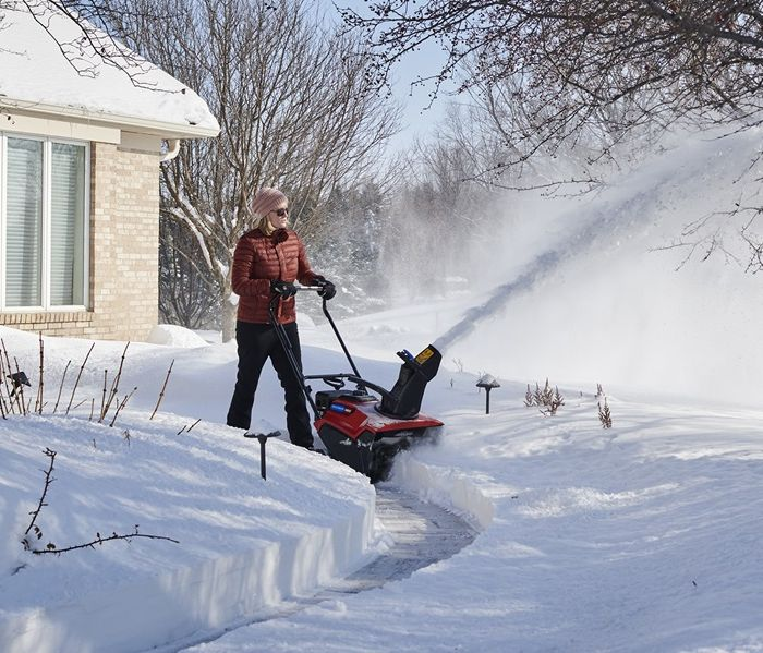 Which Electric Snow Blower Is The Best? Read This First 1