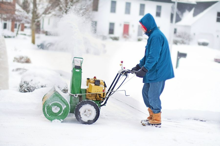 How much do snowblowers weigh? 1