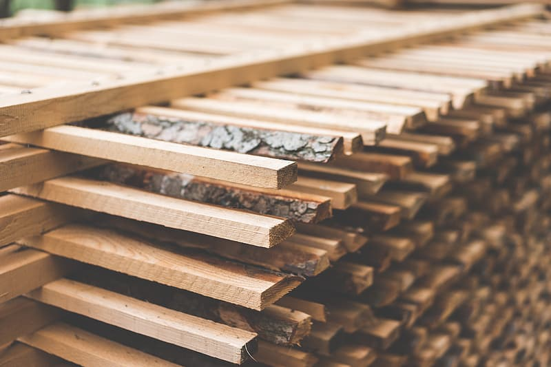 What is the kiln-dried wood moisture content? 1