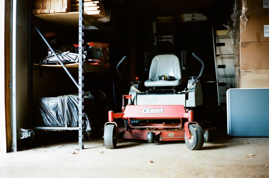 Does lawn mower gas go bad in the winter? 2