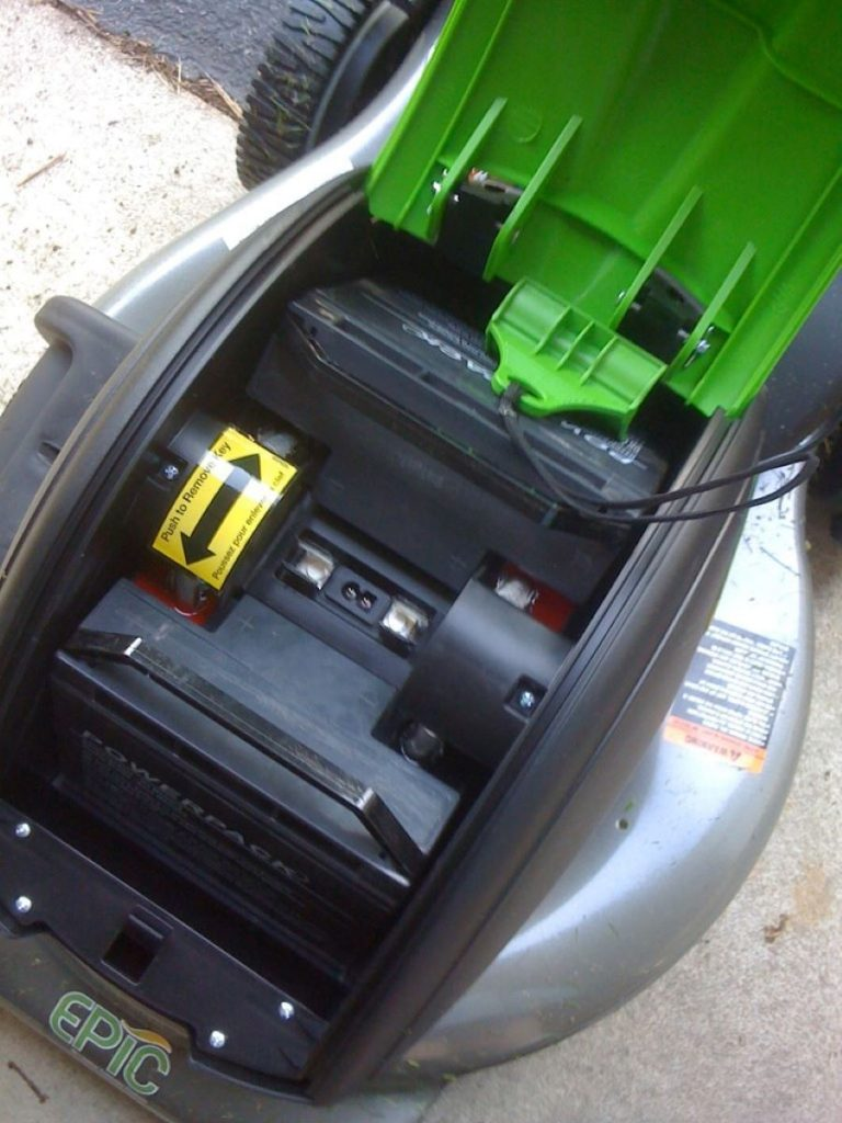 How Long Does a Lawnmower Battery Last? 2