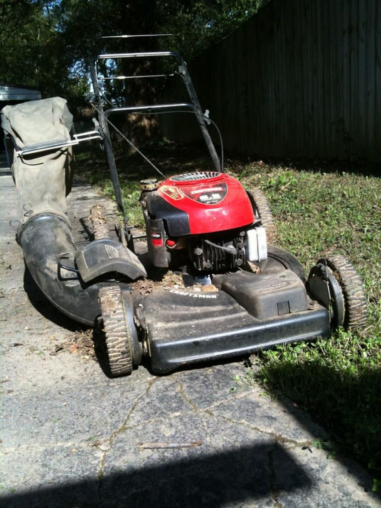 How to Tell if a Lawnmower is 2-stroke or 4-stroke? 1