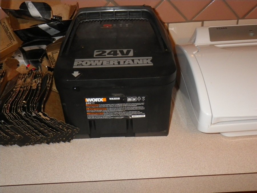 How to charge a lawnmower battery with a car? 1