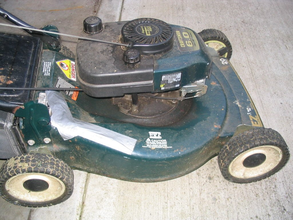 Why Does My Lawnmower Backfire? How can I fix it? 1