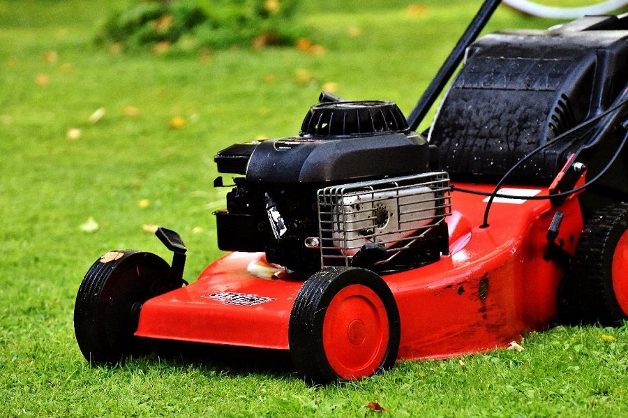 How to Adjust a Husqvarna Self-Propelled Lawnmower, step by step 1