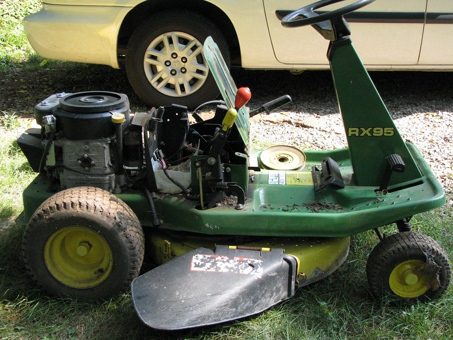 How to clean the carburetor on a John Deere riding lawnmower, step by step 1
