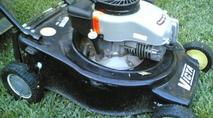 How to repair a leaking lawnmower gas tank, step by step