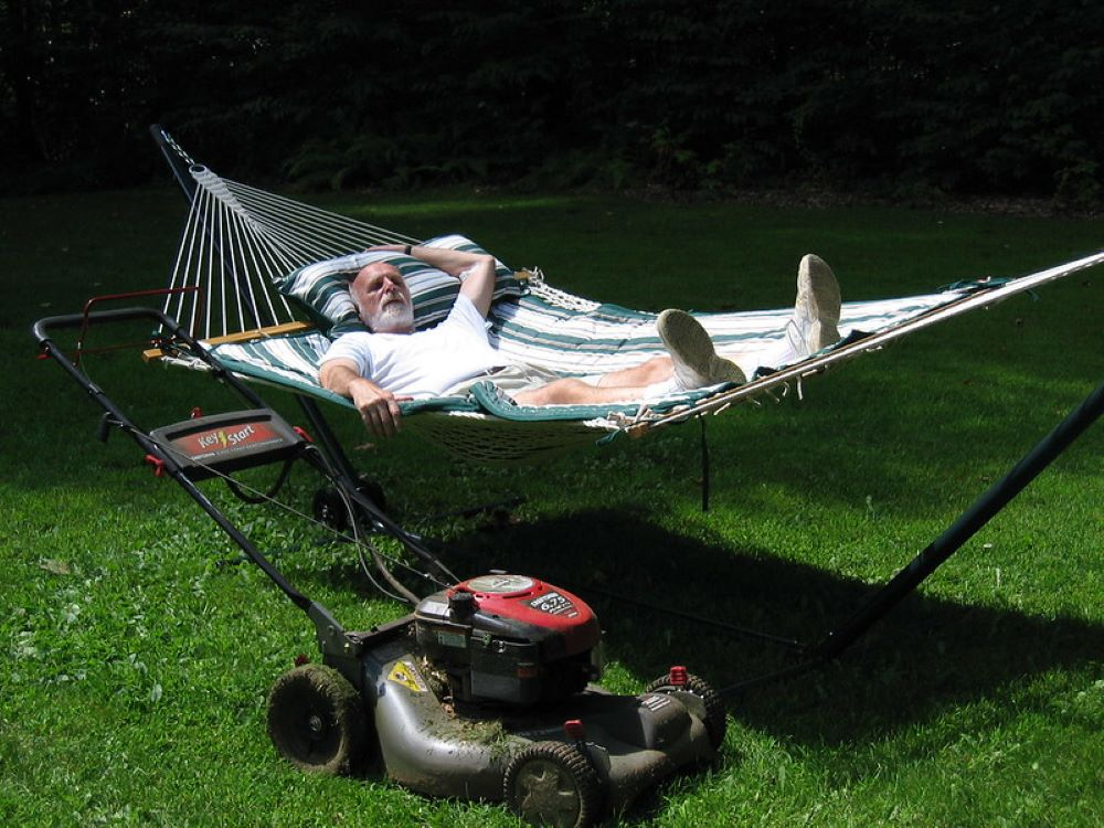 Lawnmower Stops Running When Hot, Causes and Fixes 1