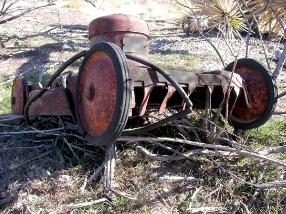 How Long Should a Lawnmower Last? 1