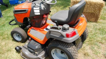 How to Level a Husqvarna Lawnmower Deck, step by step
