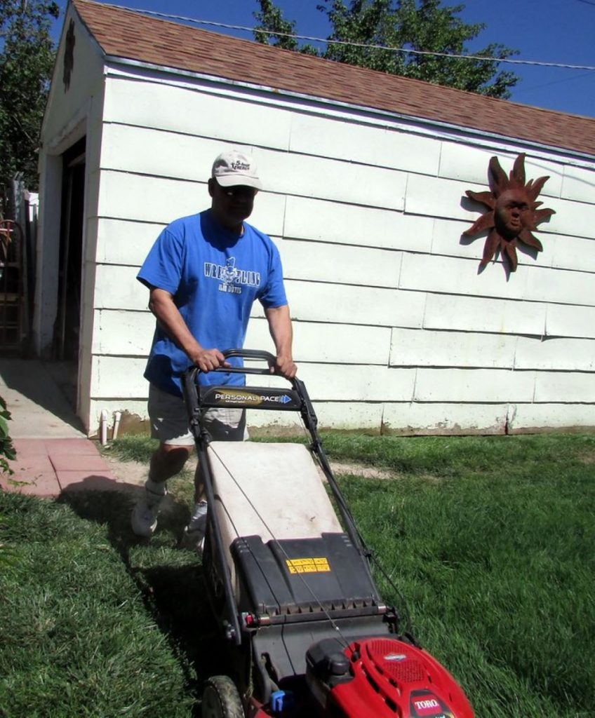 How to Prime a Lawnmower without Primer, step by step 1