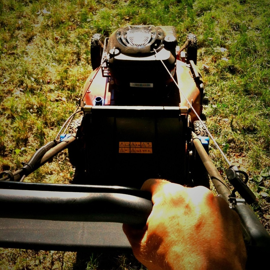 How to Adjust a Self-Propelled Toro Lawnmower 1
