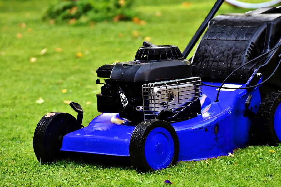 How to fix a lawnmower pull cord that is stuck, step by step 2