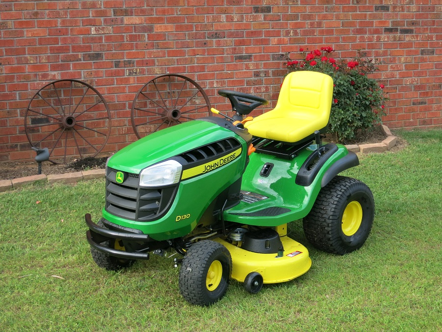 How to remove a gas tank on a John Deere lawnmower, Step by Step? 1