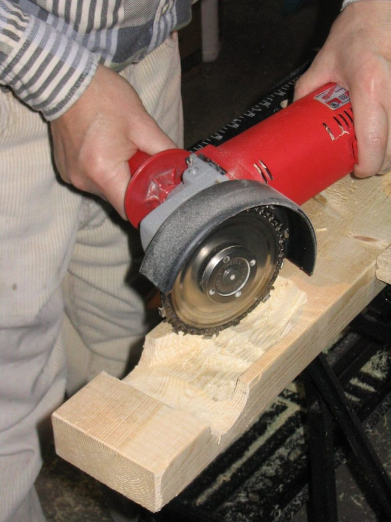 How to sharpen lawnmower blades with a grinder, step by step: 1