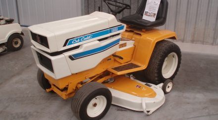 How to Start a Cub Cadet Lawnmower, step by step