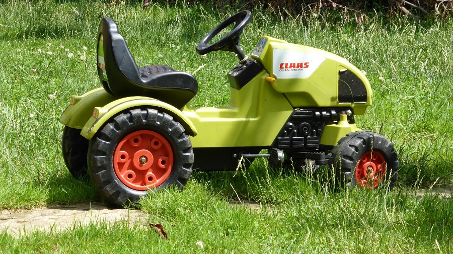 How to clean the underside of a lawnmower, the best methods and tips 1