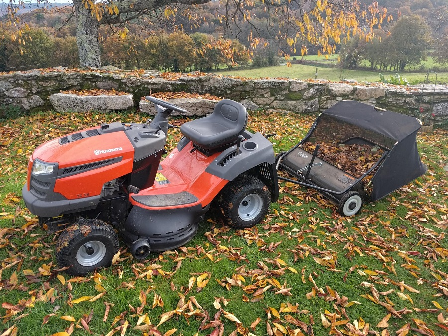 How to Install Riding Lawnmower Blades, step by step 1