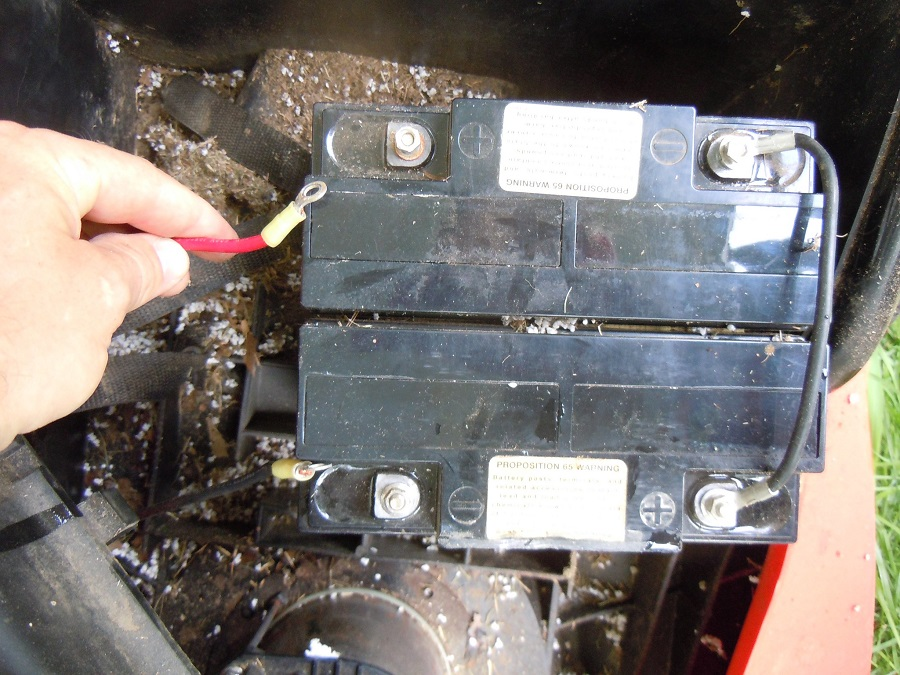 How to test a lawnmower battery with a multimeter, use this step by step method 1