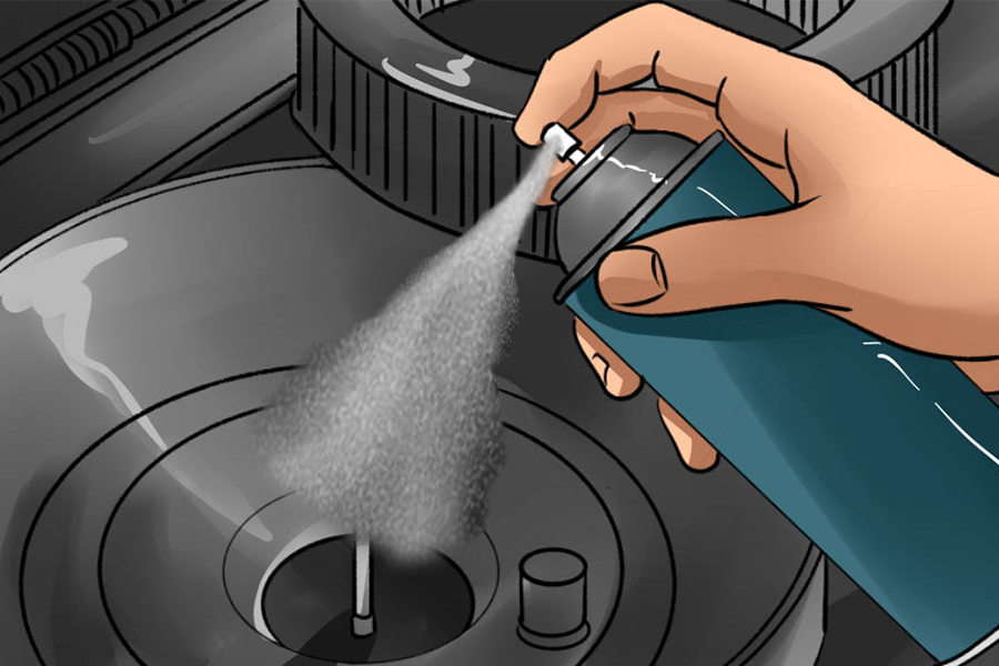 Where to spray starter fluid in a lawnmower, step by step 1