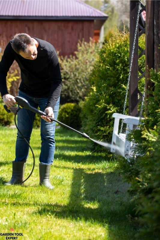 Can you use a garden hose on a pressure washer? Helpful tips 1