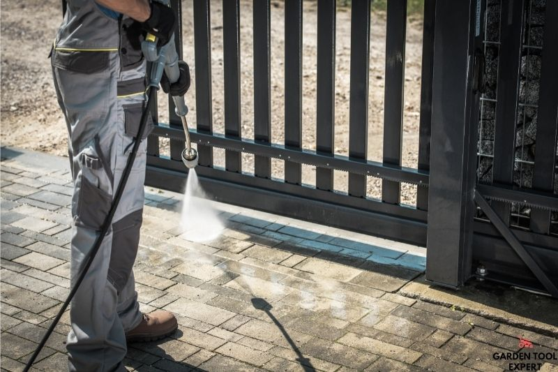 How much psi to clean a driveway: What the pros say 1