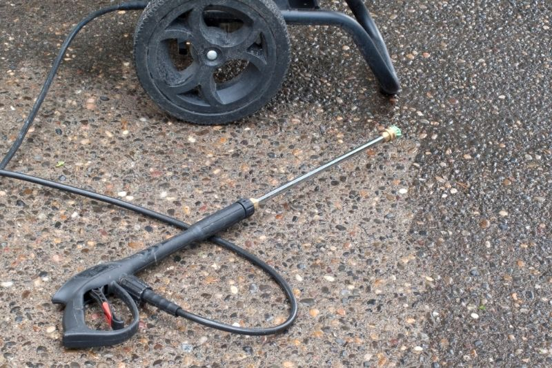 Why does my pressure washer keep pulsing? Helpful tips 1