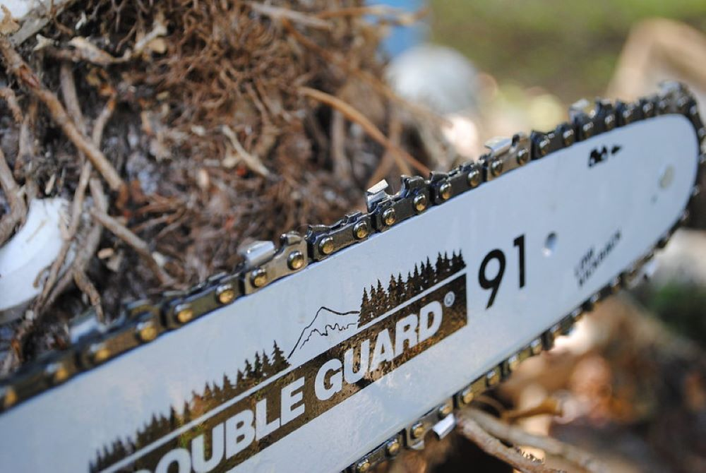 Chainsaw Chain Replacement. Tips from professionals 1
