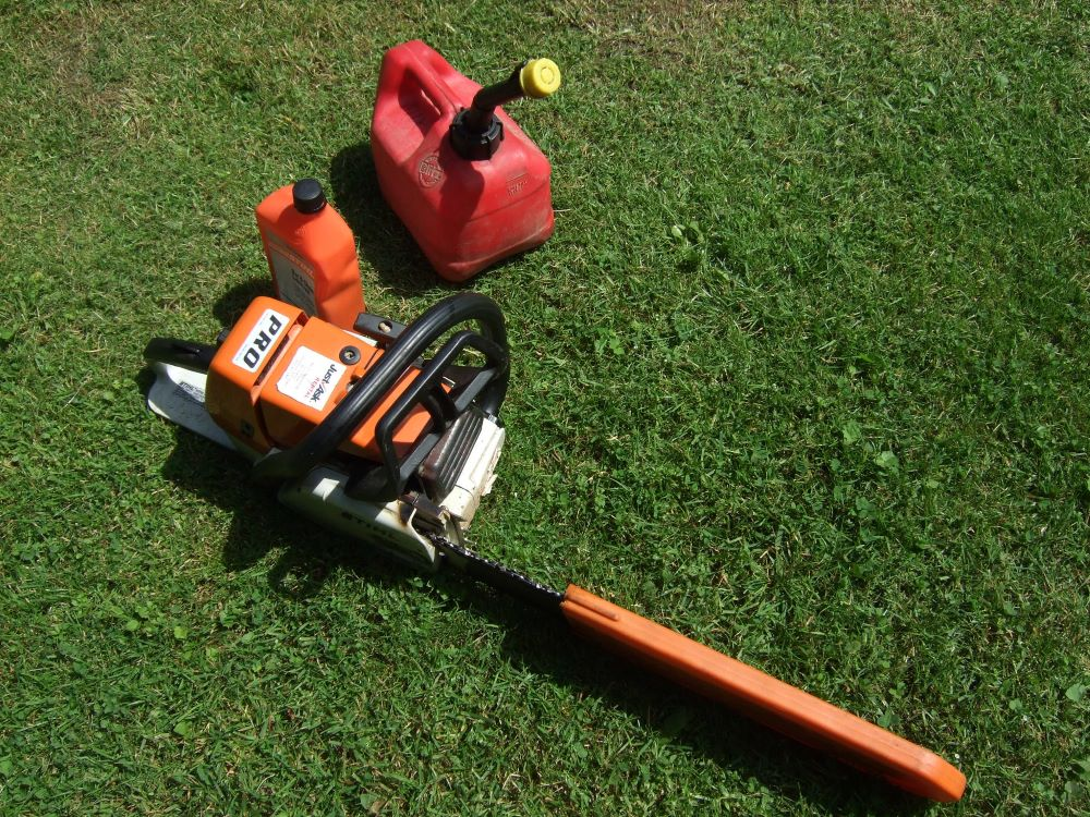 Chainsaw Keeps Stalling. Tips from a Professional: 1